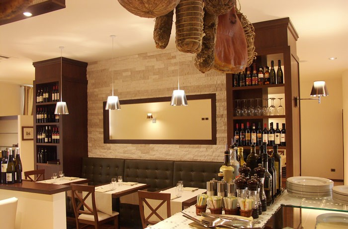 Preventivo arredo bar e ristoranti arredamento online for Arredamento on line