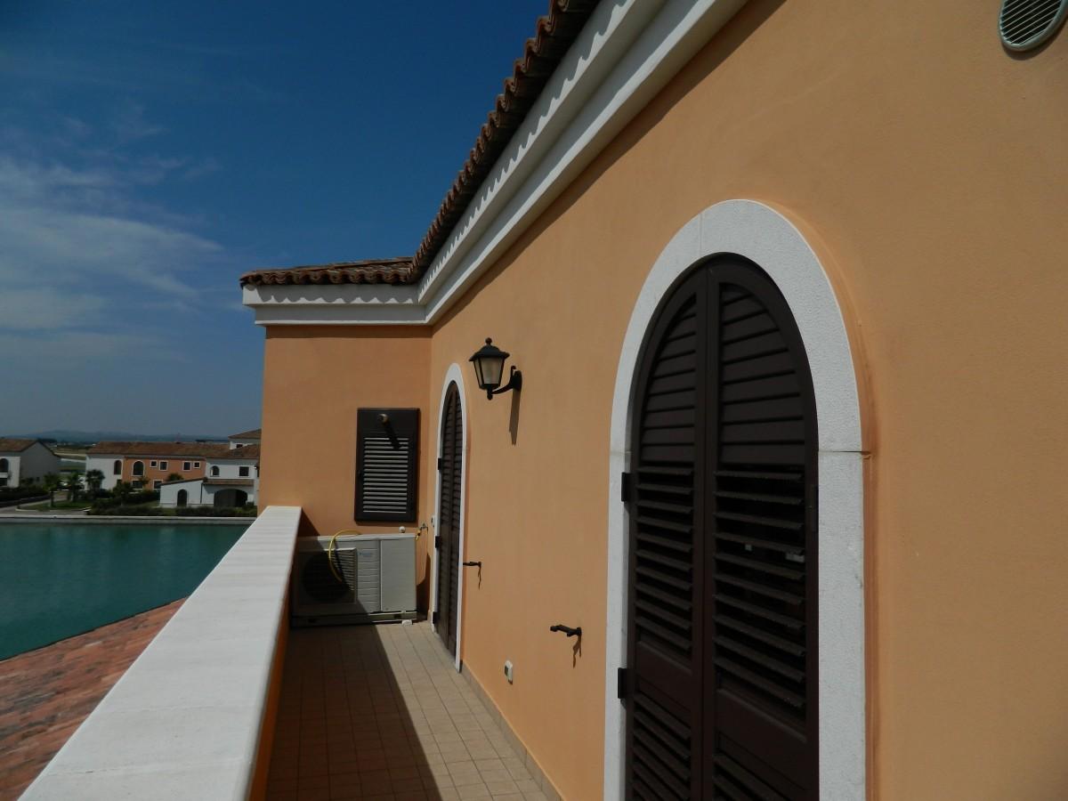 Copertura balcone a policoro matera for Copertura balcone