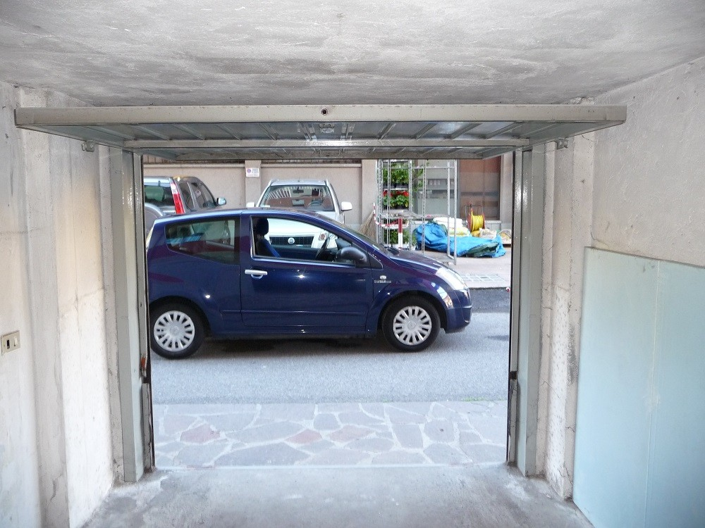 Preventivo portoni autorimesse infissi e serramenti online - Porta garage basculante ...