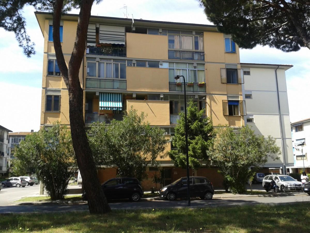 Casa moderna roma italy ascensore esterno condominio for Costo ascensore esterno 4 piani