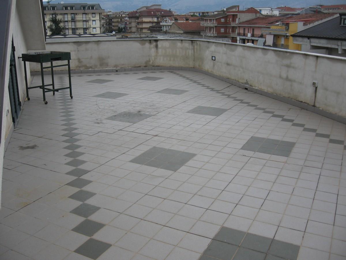 Betonella costo doppio t grigio mix with betonella costo for Pavimento galleggiante prezzo