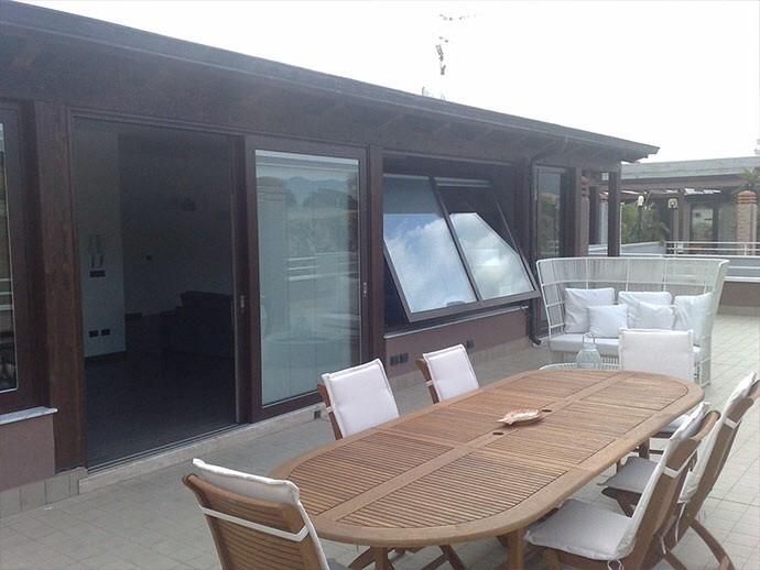 Terrazzo praticabile con struttura in legno immagini - Case prefabbricate per terrazzo ...