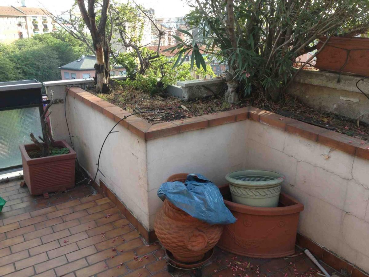 Rifacimento terrazzo causa perdita a milano - Piastrellare un terrazzo ...