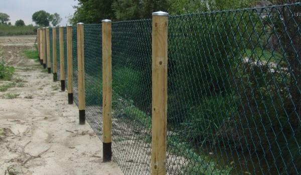 Preventivo recinzione a roma online esterni for Pali cemento per recinzione