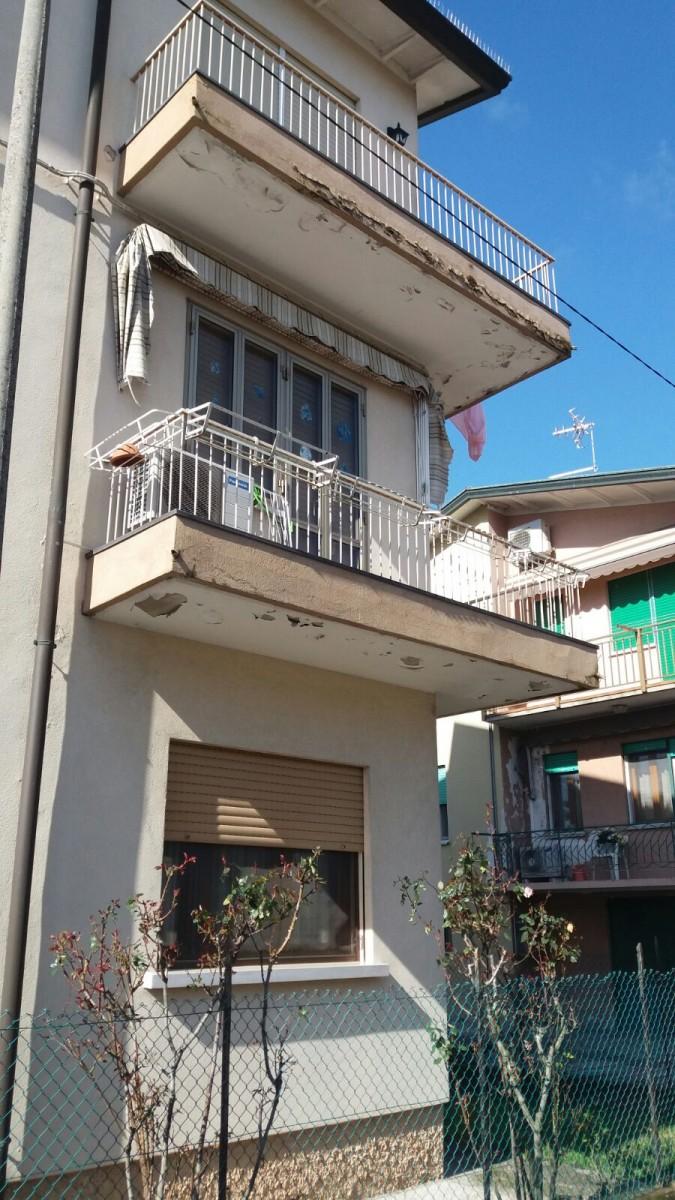 Ristrutturazione esterna del balcone a Venezia ...